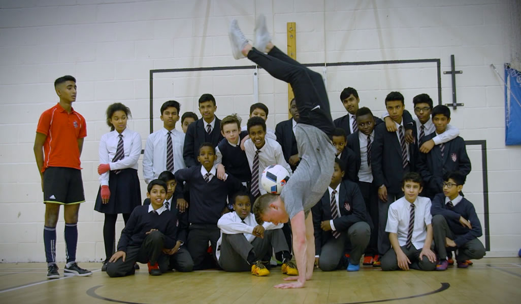 Hand Stand Neck Stall For School Children
